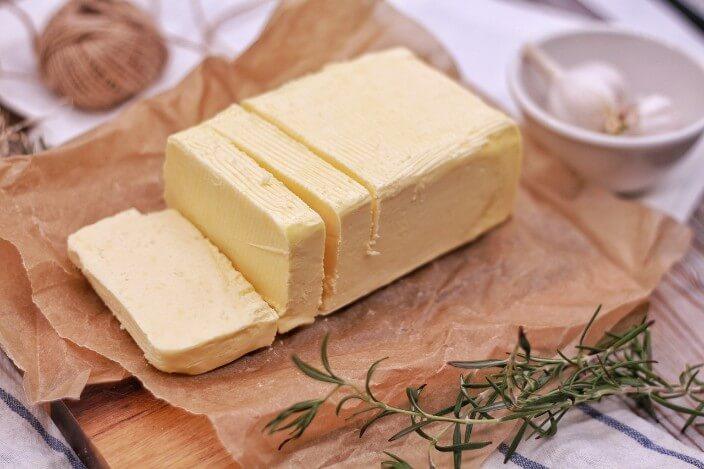 飽和脂肪酸のバター